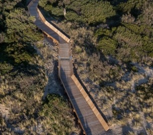 McCulloch Boardwalk Dulux Intergrain Timber Vision Award Winner